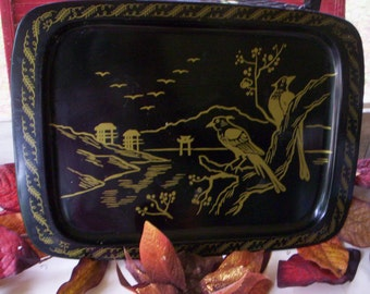 Vintage metal tray/Serving metal tray/Vintage Black and Gold Tray Oriental Pagoda and Bird Tray/Kitchen decor/Fall Home decor/Tole black try