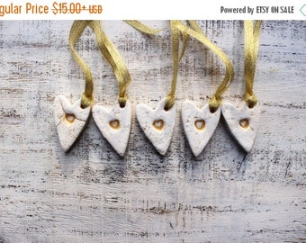 CHRISMAS IN JULY 23-25.7 Rustic heart ornaments cottage chic gold white wedding favours bridal shower birthday party favours baby shower boh