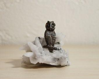 Fantastically Vintage Casted Sterling Silver Owl Bird Brooch Pin