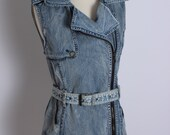 Hot DENIM vest, Fitted with zipper, ROCKER style. 90's acidwash jean. Sexy High collar!