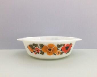 Pyrex England 'Ingrid' #509 round casserole dish