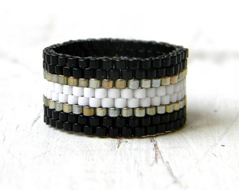 Black and white ring, peyote ring, beaded ring, band ring, casual ring, beadwork jewelry, simple ring, modern ring, minimalistic ring