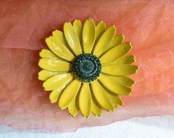 Yellow Susan Brooch - Metal, Enameled - Vintage - Fabulous!