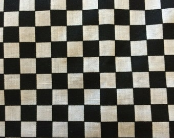 One Yard of Black and White Check   Destash 259