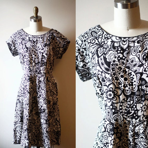 1950s colouring book dress // black and white dress // vintage dress