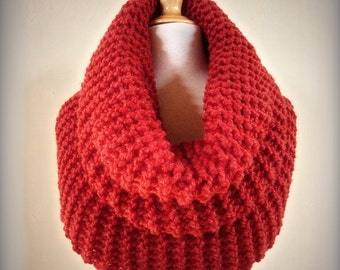 RED CHUNKY Royale Cowl -- Wool blend - Super snuggly - Deluxe fashion accessories
