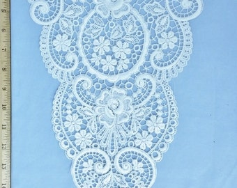 Venise lace large white yoke