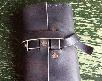 Leather sketchbook holder