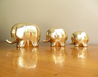 Vintage Brass Elephant Figurines, Elephant Family Statues, Gold Mid Century Modern Elephant Figurines, Polished Brass