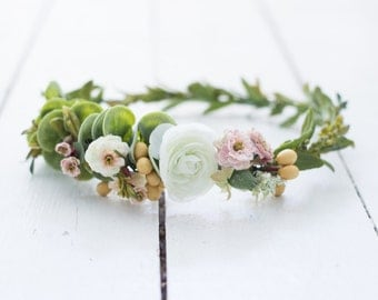 Light and Airy Wedding Crown