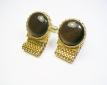VINTAGE CUFFLINKS / gold tone, Brown Acrylic/ Groom Best Man / Men Wedding Jewelry / Formal Wear / Cuff Links, Mesh Wrap Cufflinks