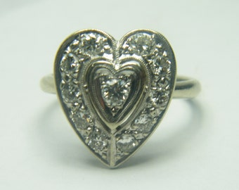 14kt white gold antique looking diamond heart ring