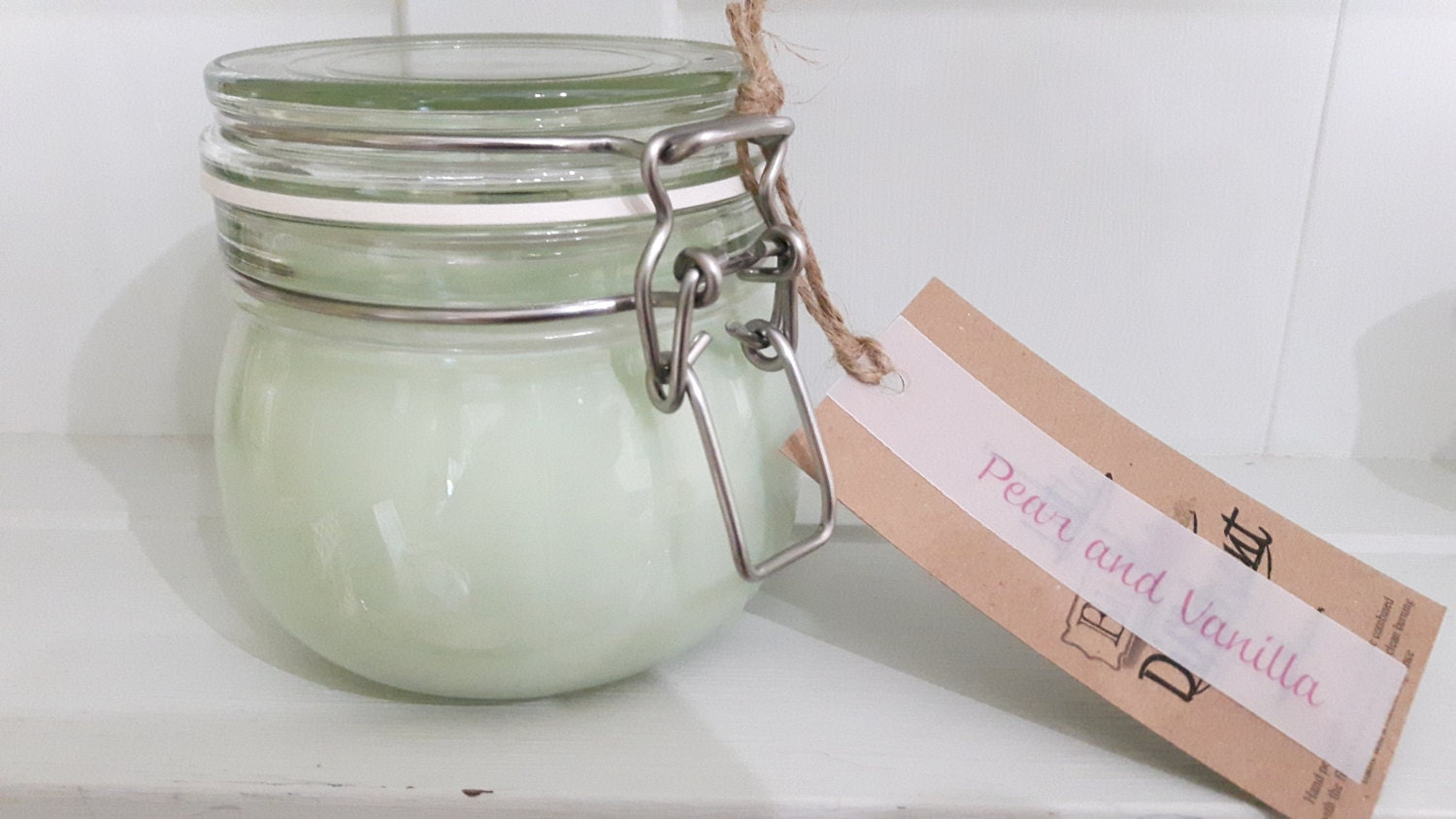 Apple scented hand poured beautiful  eco friendly vegan soy wax candles in reusable Kilner style jars.