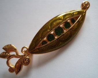 Vintage Signed Danecraft  Goldtone/Enamel Peas in a Pod Brooch/Pin