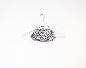 on sale - silver & black paisley clutch / small sparkly evening chain bag