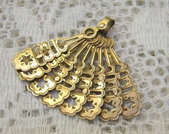 Reserved....Vintage 10K Gold Fan Charm/Pendant...Articulated Charm...Eight Fan Panels...Two Sided Fan