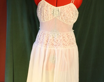 Vintage Nightgown Slip or Bridal Lingerie Trillium 50's Pin Up Peignoir Babydoll
