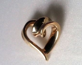 10K Yellow Gold Puffy Hollow Heart Pendant Marked JTL 1.8 grams