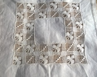 Small Victorian Doily White Linen Handmade French Cut Works #sophieladydeparis