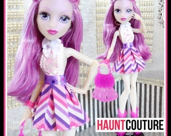 """Monster Doll Haunt Couture: """"Haunted Style"""" high fashion dress clothes"""