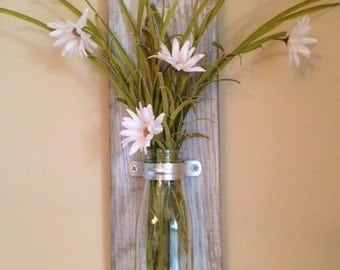 Rustic Distressed Board with Glass Bottle Flower Vase Wall Decor