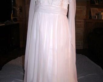 VINTAGE wedding gown mint size 16
