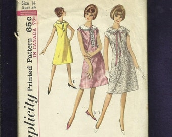 ON SALE Vintage 1965  Simplicity 5870  A-Line Dresses with Large Peter Pan Collars Extended Shoulder Caps Size 14
