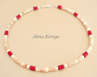 Chain necklace of pearls, coral and shell discs