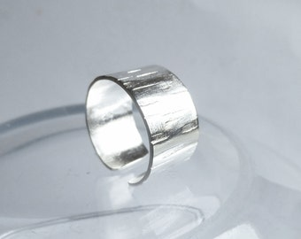lopen ring hammered silver