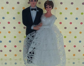 Vintage Retro Bride & Groom Cake Topper / Traditional Wedding couple from 1960's / Bride Lace Dress Style