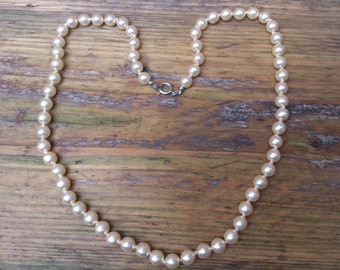 vintage glass pearl bead necklace