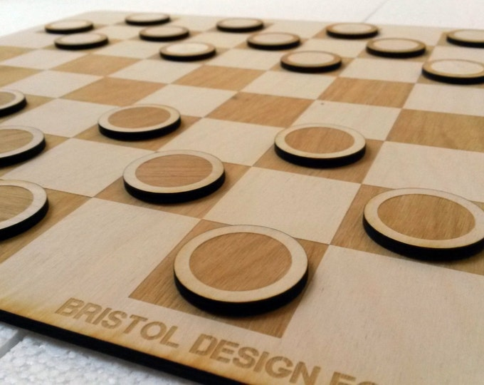 Minimal Draughts Set - Laser Cut Draughts Set