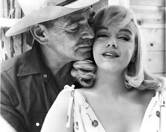 Marilyn Monroe and Clark Gable on the set of The Misfits 1960.