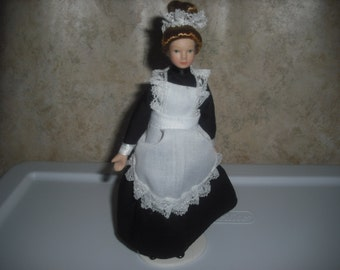 1:12 scale Dollhouse Miniature Maid/Nanny