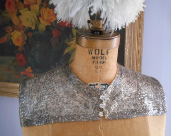 Gorgeous Deco 1930's Silver/Grey Glass Beaded Collar/Rhinestone Buttons