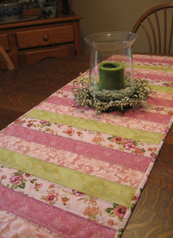 Quilted Table Runner, Quilted Patchwork Runner, Table Runner, Patchwork Runner, quilted runer, quilted runners, etsy table runners