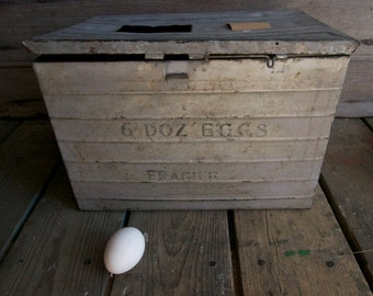 antique egg crate / vintage egg crate / sustainable living
