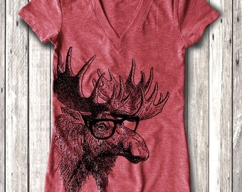 Moose graphic Print Women's Fitted V-Neck T-Shirt