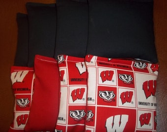 8 ACA Regulation Cornhole Bags - NCAA Wisconsin Badgers and Solid Black Bags