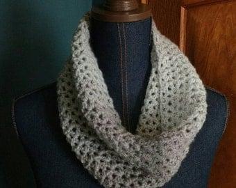 Crochet cowl, grey cowl, grey scarf, gradient scarf, gradient cowl, infinity scarf, modern cowl, handmade cowl, handmade scarf