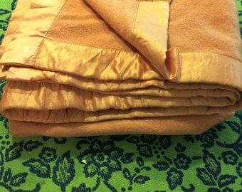 Vintage Montgomery Wards Wool Fleecy Down Peach Cozy Bohemian Chic Bedspread Blanket