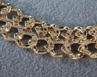 Vintage Goldtone Thick Link Necklace ** **RL