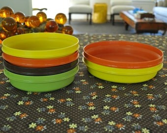 Vintage 1970's Tupperware Bowls. Autumn Harvest:Orange, Yellow, Brown, Green. Six Bowls, Two Sizes. No lids. Stackable. Excellent Condition.