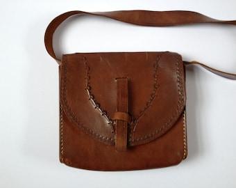 70's Leather Bag. Tooled Leather Bag. Vintage 70's Bag. 70's Shoulder Bag. Tan Leather Bag. 70's Tan Leather Bag. Boho Bag. Festival Bag