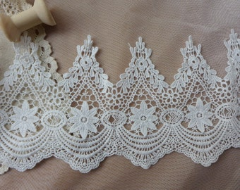 Cotton Lace Trim, Off-White Color, Scalloped Edges Trim, Retro-Style Crochet Lace Fabric