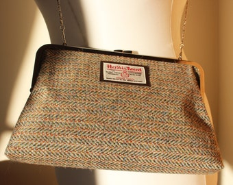 Harris Tweed Kisslock clutch bag