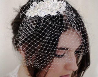 CARRIE-ANN - Bridal Vintage 50s Style Lace Hair Comb, Pearl And Lace Daisies, Swarovski Crystals, Vintage Bird Cage Veil