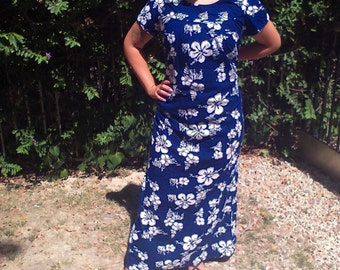 Muumuu dress,Hawaiian dress,medium,maxi dress,blue,white flowers