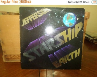 Save 30% Today 1978 Vinyl LP Record Earth Jefferson Starship Very Good Condition 4576