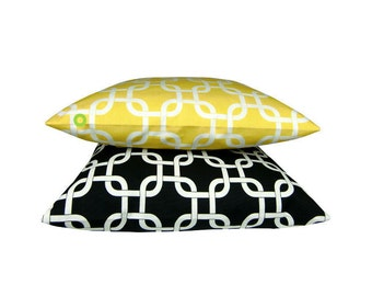 1 pillowcase GOTCHA yellow white 50 x 50 cm chain patterns graphically